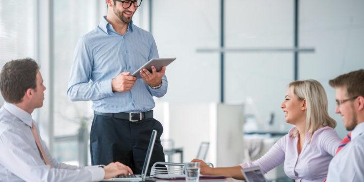 kako se povezati s kupcem na neverbalan način