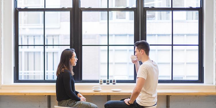 Kako neverbalno komunicirati otvorenost i postaviti granice
